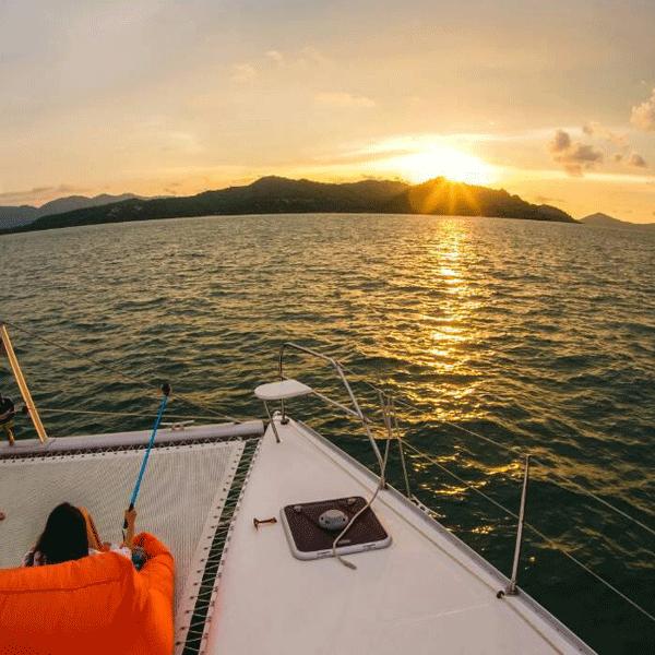 sailing-catamaran-sunset-tour-b14-vip-2