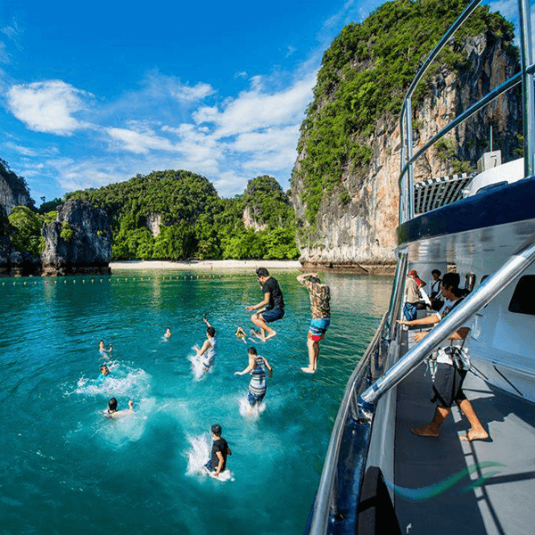 krabi-luxury-day-trip-4-islands-catamaran-sunset-cruise-6