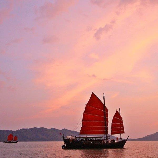 phuket-tour-sunset-cruise-phang-nga-bay-june-bahtra-3