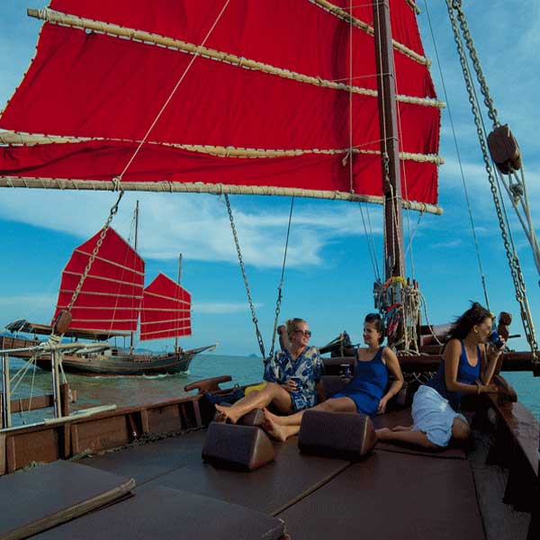 thailand-tour-phuket-june-bahtra-phang-nga-bay-cruise-8