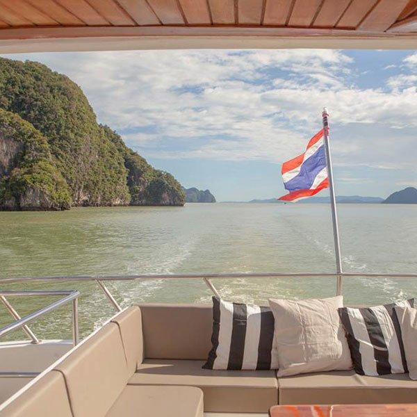 phuket-premium-james-bond-phang-nga-bay-day-trip-modern-boat-3