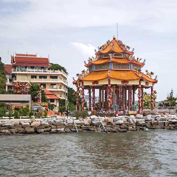 bangkok-pattaya-full-day-tour-koh-si-chang-island-by-ferry-boat-3