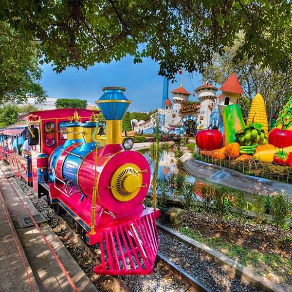 bangkok-theme-park-family-fun-filed-entertaining-tour-dream-world-anniversary-4