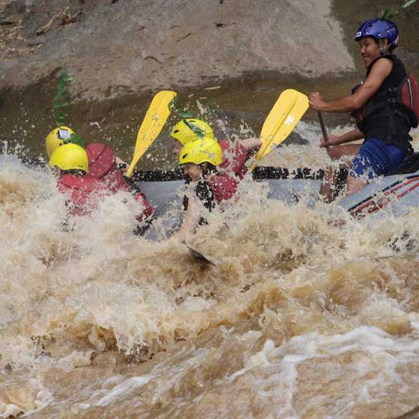 wwr-1-full-day-white-water-rafting-mae-taeng-river-chiang-mai-thailand-tours-3