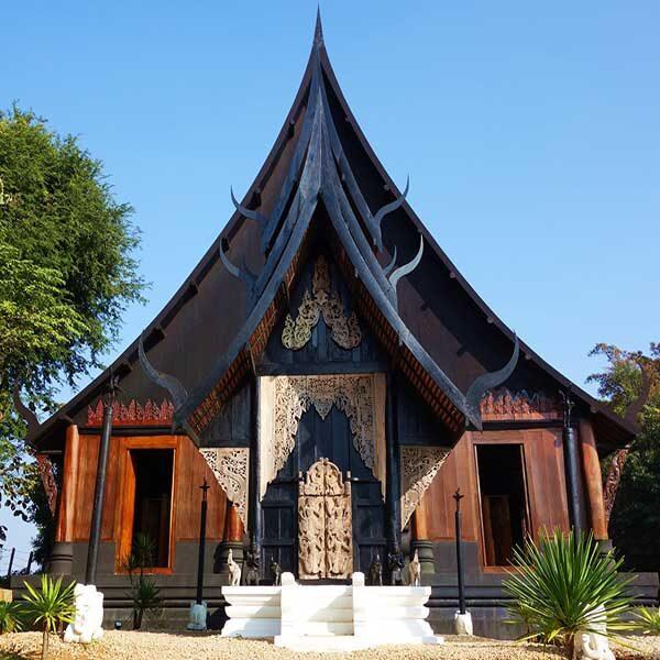 chiang-mai-day-trip-white-temple-chiang-rai-black-house-blue-temple-4