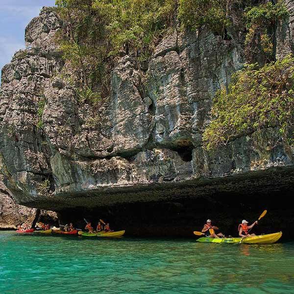 one-day-trip-activities-kayaking-at-ang-thong-national-marin-park-koh-samui-7