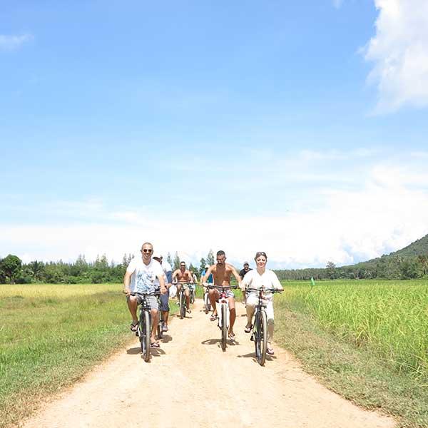 phuket-best-tour-yao-noi-island-fish-farm-bike-tour-premium-catamaran-4