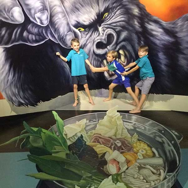 top-best-fun-place-family-things-to-do-booking-phuket-trickeye-museum-3