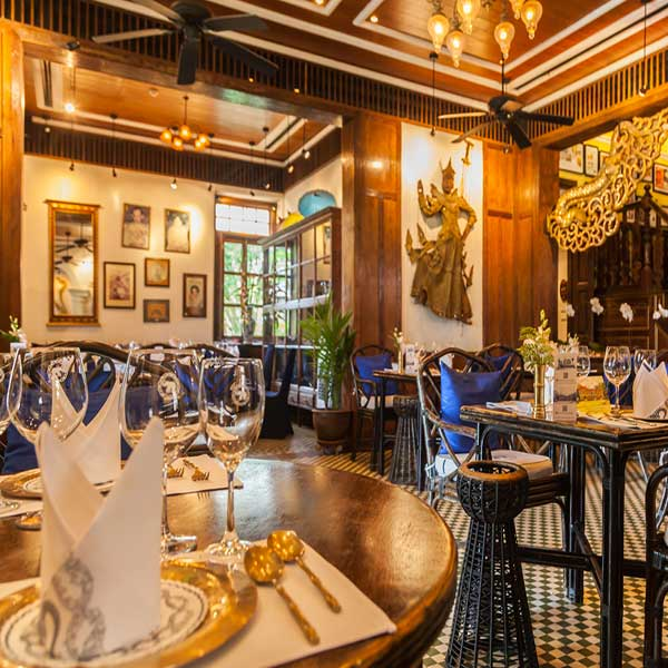 top-best-restaurant-in-phuket-town-old-stly-blue-elephant-2