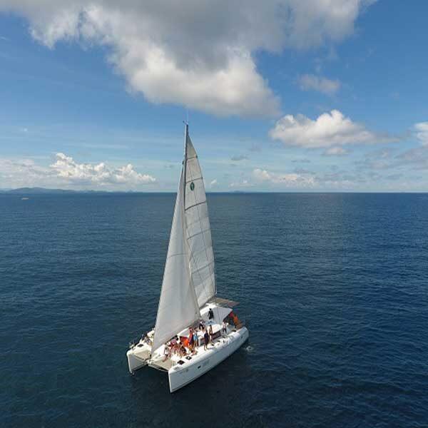saliing-catamaran-maiton-island-seeking-dolphin-boutique-seafeast-phuket-7
