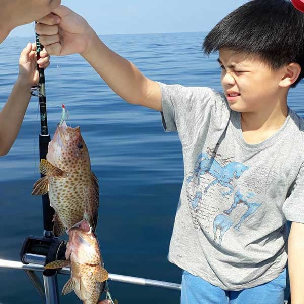 rent-private-charter-day-trip-fishing-trolling-phuket-thailand-3