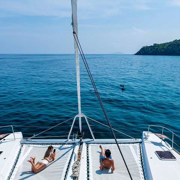 Full-day-sailing-catamaran-Maiton-island