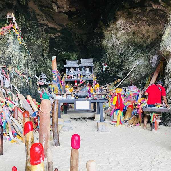 full-day-tours-phuket-krabi-6-islands-hong-chicken-poda-railay-phranang-talaywake-4