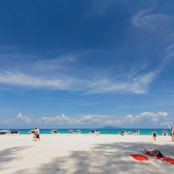 full-day-trip-premium-phi-phi-island-bamboo-island-by-speedboat-2
