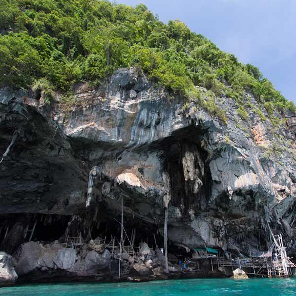 full-day-trip-premium-phi-phi-island-bamboo-island-by-speedboat-5