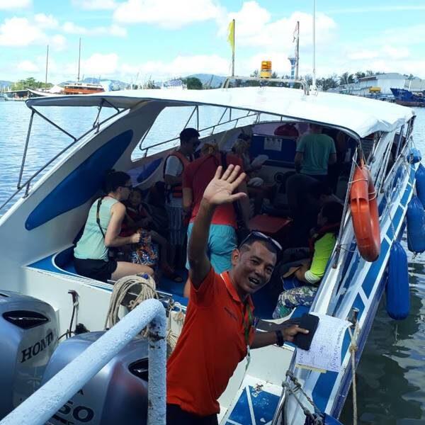 low-budget-full-day-trip-phi-phi-island-khai-nai-island-by-speedboat-3