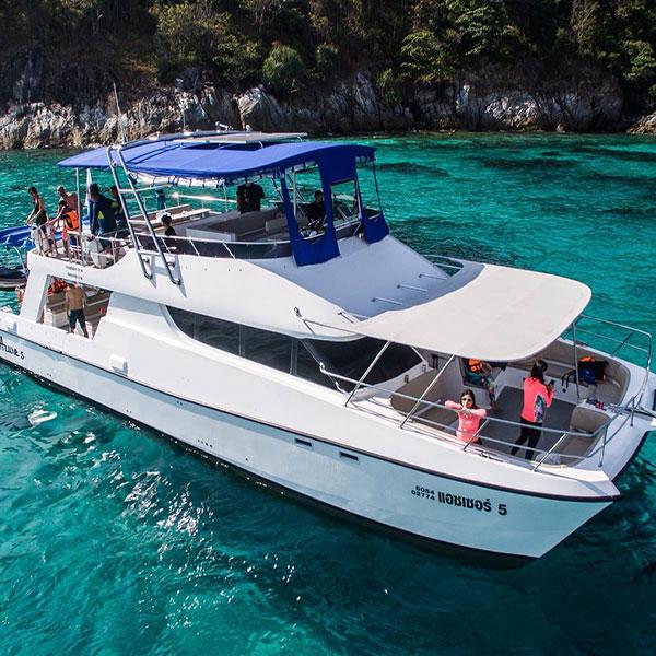 luxury-catamaran-maiton-island-phuket