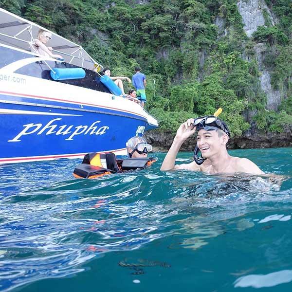 phuket-phi-phi-island-hopper-deluxe-speedboat-3