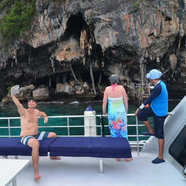 sawasdee-phi-phi-islands-khai-nok-island-premium-catamaran-phuket-3