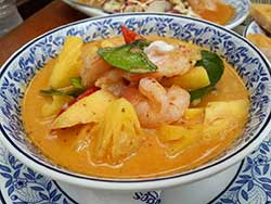 thai-cuisine-cooking-school-blue-elephant-red-curry-chicken-with-fresh-pineapple