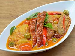 thai-cuisine-cooking-school-blue-elephant-roast-duck-in-red-curry