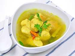 thai-cuisine-cooking-school-blue-elephant-seabass-soup-with-fresh-turmeric
