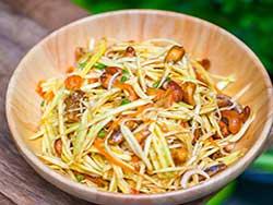 thai-cuisine-cooking-school-blue-elephant-spicy-green-mango-salad