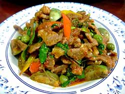 thai-cuisine-cooking-school-blue-elephant-stir-fried-beef-with-pea-eggplant