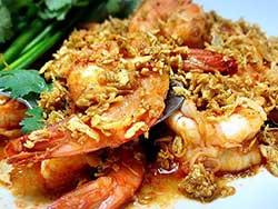 thai-cuisine-cooking-school-blue-elephant-stir-fried-prawns-with-garlic