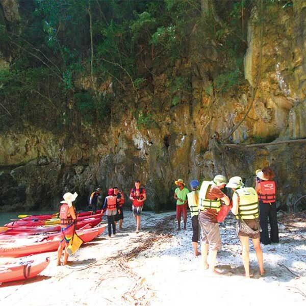 Best-Outdoor-Activities-Half-Day-Kayaking-&-Canoeing-Tour-Ao-Thalane-Krabi-6