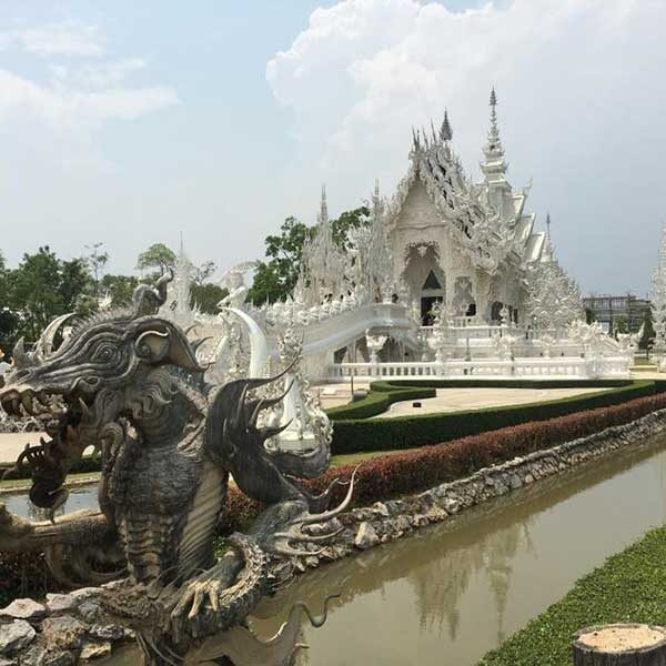 Chiang-Mai-Tour-White-Temple