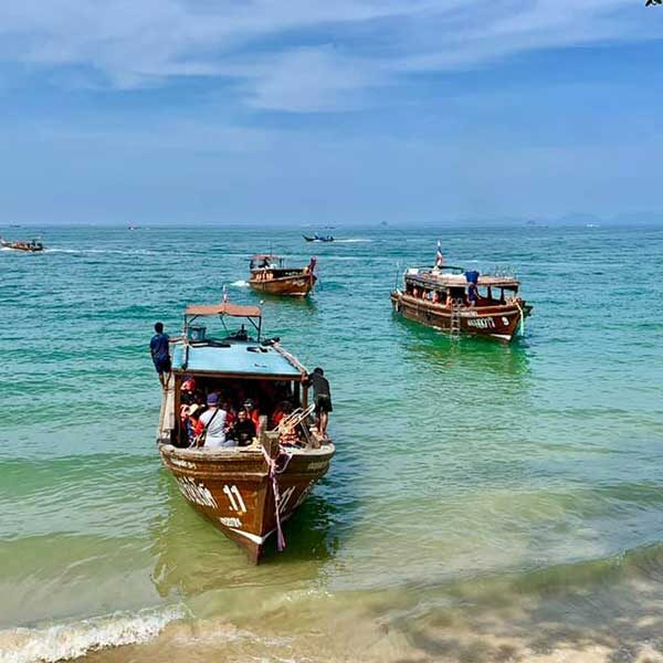 One-Day-Trip-Krabi-4-islands-by-long-tail-boat-4