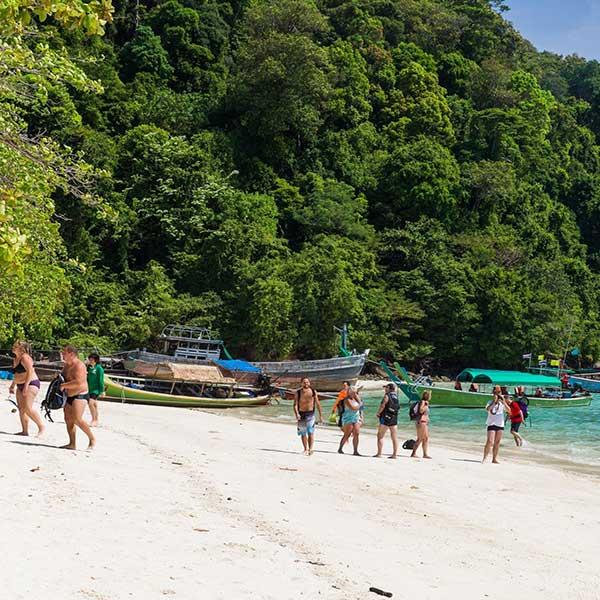 phuket-khaolak-premium-service-one-day-trip-surin-island-speed-boat-8