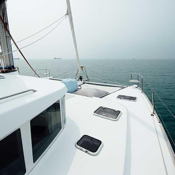 phuket-discover-catamaran-maiton-island-dolphin-quest-3