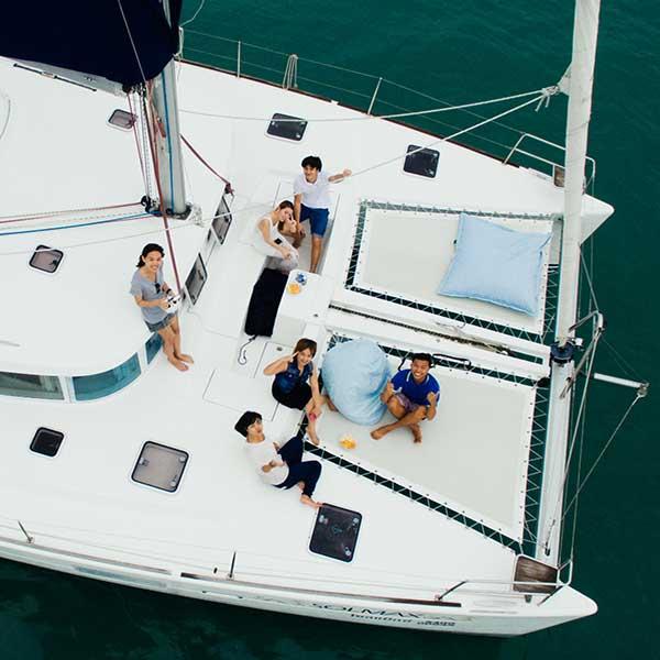 phuket-discover-catamaran-maiton-island-dolphin-quest