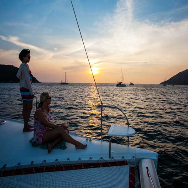 sailing-catamaran-sunset-tour-b14-vip