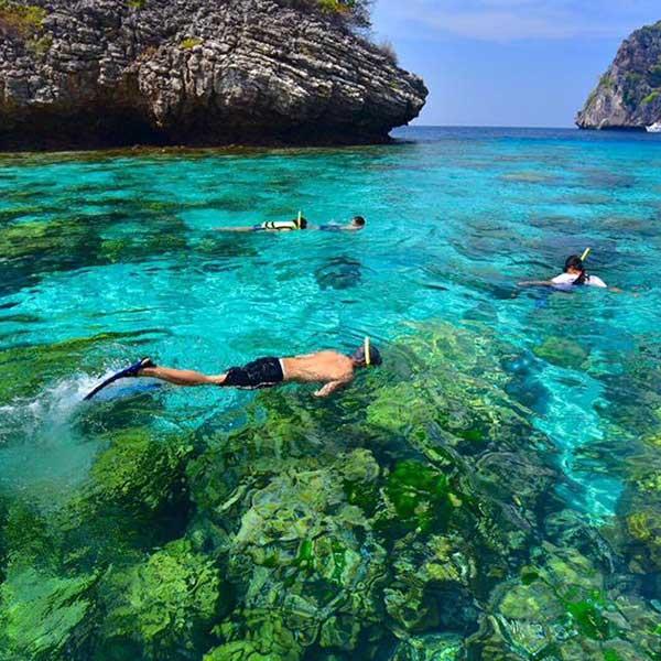 phuket-day-trip-premium-services-koh-rok-koh-haa-speedboat-6