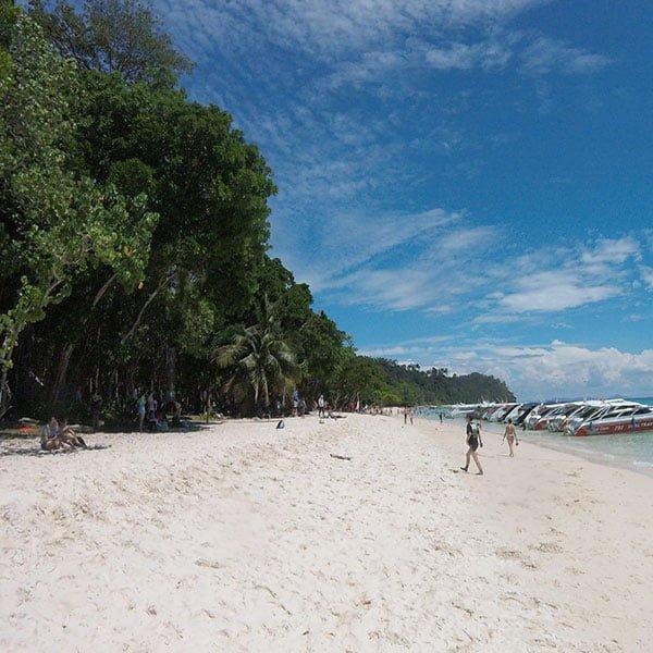 phuket-day-trip-premium-services-koh-rok-koh-haa-speedboat