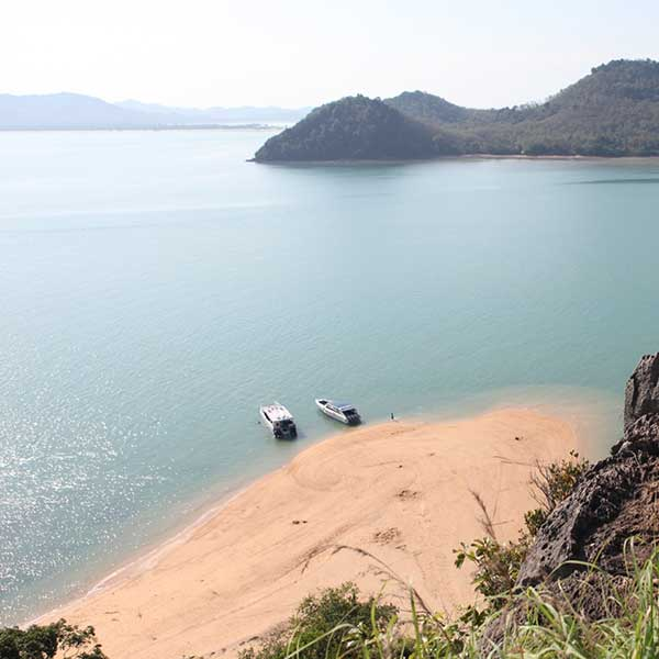 phuket-best-tour-yao-noi-island-premium-catamaran-7