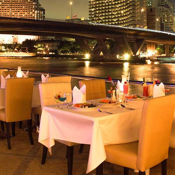 best-cheap-romantic-bangkok-dinner-river-cruise-chao-phraya-princess-7