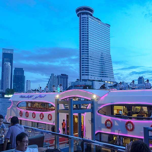 best-luxury-romantic-family-bangkok-dinner-river-grand-pearl-cruise-9