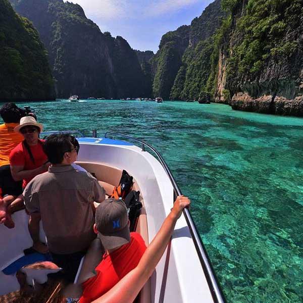 krabi-full-day-tour-to-phi-phi-island-maya-bay-bamboo-island-speedboat-9