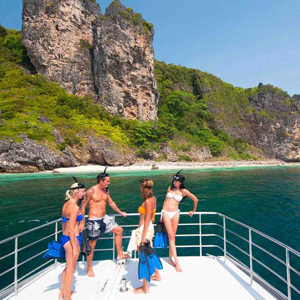 phuket-full-day-tour-koh-hong-island-krabi-premium-speed-catamaran-9
