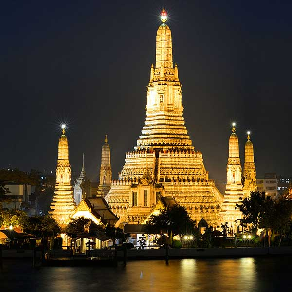 thai-style-dinner-along-chao-phraya-river-wan-fah-dinner-cruise-bangkok-sightseeing-7