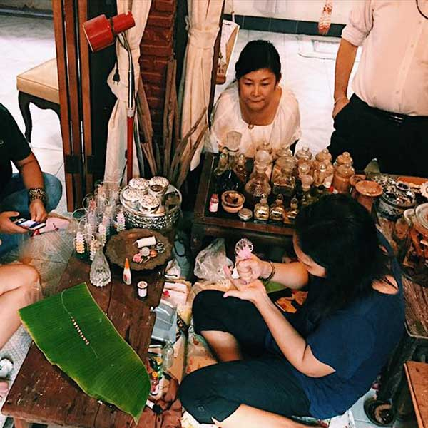 day-trip-tour-see-floating-market-life-bangkok-tours-thailand-9