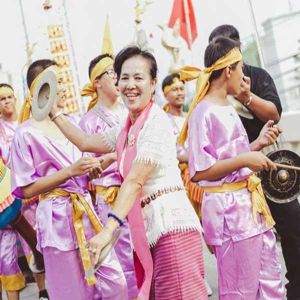 day-trip-tour-see-real-thai-experience-hidden-mon-community-bangkok