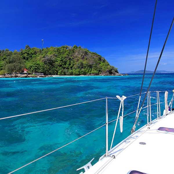 overnight-private-charter-sailing-catamaran-2-days-1-night-phuket-3