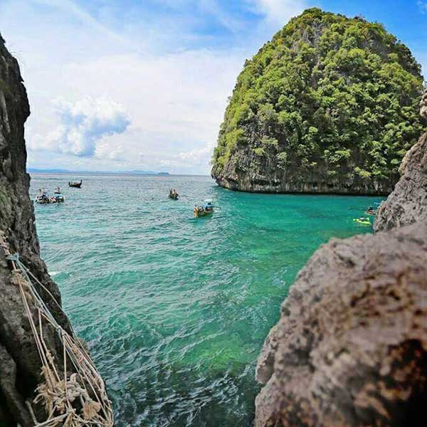 Full-day-trip-Phi-Phi-Island-Bamboo-Island-by-speedboat-2