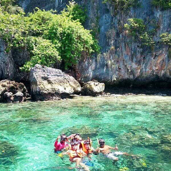 Full-day-trip-Phi-Phi-Island-Bamboo-Island-by-speedboat