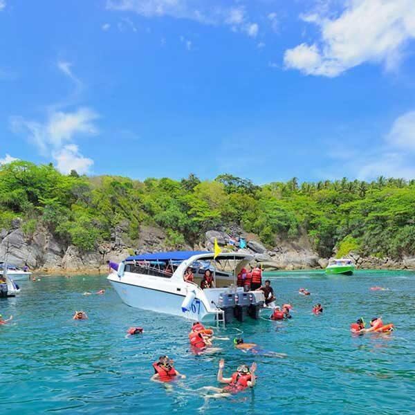 Phuket-Full-day-trip-Raya-Island-speedboat-2